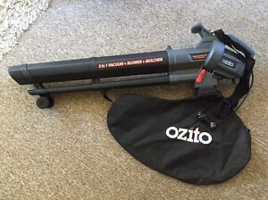 Ozito 2400W leaf blower and vacuum Cremorne Point North Sydney Area Preview