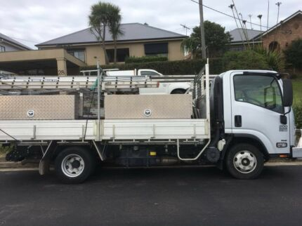 ISUZU NPR 200 TRADE-PACK PREMIUM TRUCK + LOADS OF EXTRAS! 7M rego