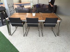 Aluminium/wood outdoor setting Canning Vale Canning Area Preview