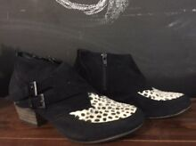 Boots size 7 Oaklands Urana Area Preview
