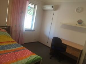 Room for rent- nice spacious room, good location Hamersley Stirling Area Preview