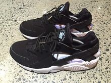 Nike Air Huaraches For Sale Bulimba Brisbane South East Preview