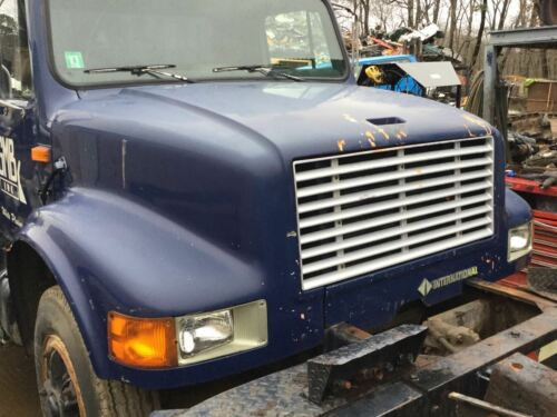 1992 International 4700 Nose Hood Front End