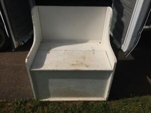 Storage bin ( could use painting)
