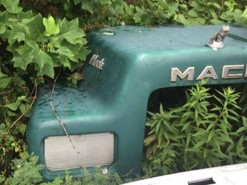 1979 Mack Dm685 Nose Hood Front End