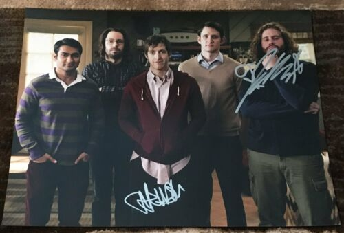TJ MILLER & THOMAS MIDDLEDITCH SIGNED SILICON VALLEY 11x14 PHOTO w/EXACT PROOF