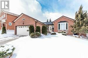 40 CANADIAN OAKS DR Whitby, Ontario