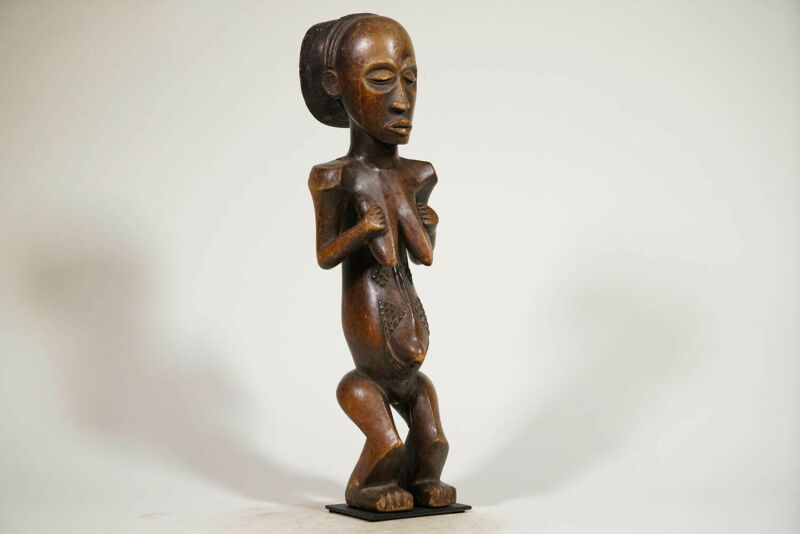 "Stunning Female Luba Statue 22"" on Base - DRC - African Art"