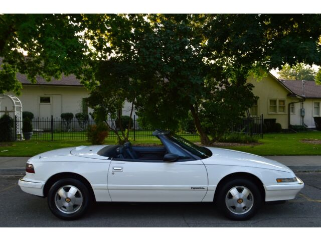 BEAUTIFUL EXTREMELY RARE SURVIVOR 1990 BUICK REATTA CONVERTIBLE 3.8 V6 NICE !!