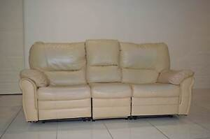 3 Seater Leather Reclining Couch Rockhampton Rockhampton City Preview