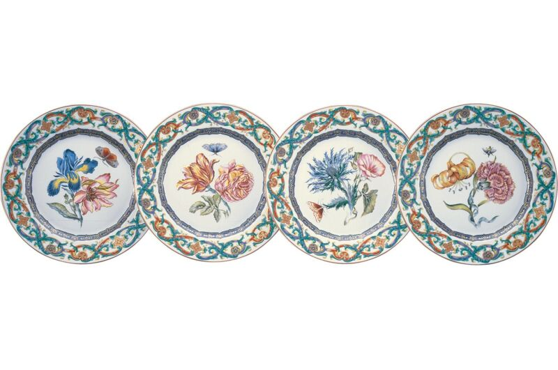 Mottahedeh, Merian, Set of 4 Dessert Plates and Single Bread and Butter Plate