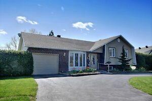 Maison - à vendre - Mont-Saint-Hilaire - 10762311