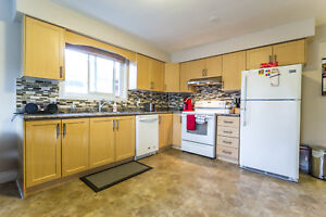 Don't Miss!!! Gorgeous 3BR Apt in Oshawa, Private Laundry