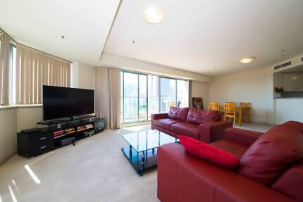 MODERN Twin Room Share  for 1 MALE ROOMIE!!