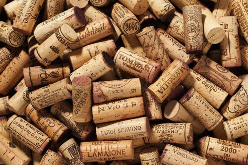 500 Used Wine Cork- Recycled / Used- Great Crafting Condition, Red / White Stain