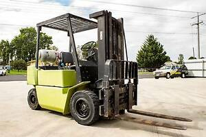 CLARK FORKLIFT 2.5T CONTAINER MAST SIDE SHIFT SOLID TYRES LPG Bairnsdale East Gippsland Preview
