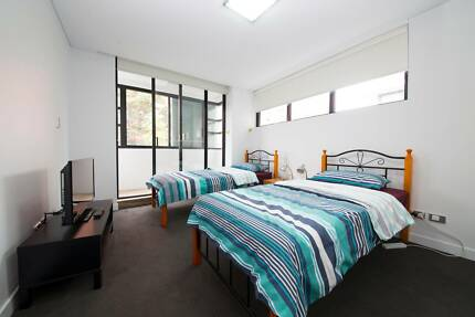 ROOM SHARE W/ EN-SUITE BATHROOM FOR ONE  MALE TO SHARE