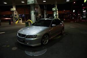 VZ V8 6.0L COMMODORE SEDAN QUICKSILVER Wheelers Hill Monash Area Preview