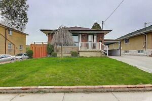 2 BEDROOMS BASEMENT - RENT $1,200.00 - UTILITY INCLUDED!!!