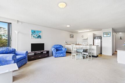 SPACIOUS & AIRY 2 X BED, 2 X BATH APARTMENT IN CALOUNDRA