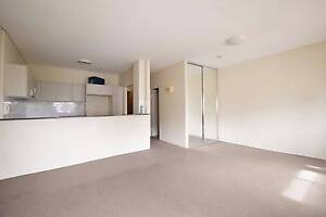Spacious Studio with Car Space Waterloo Inner Sydney Preview