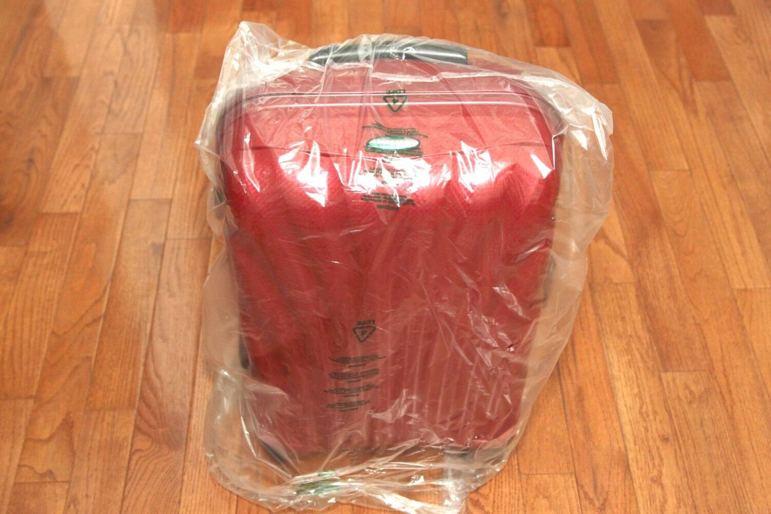"**BRAND NEW** Samsonite Black Label Cosmolite 21"" RED Carry"