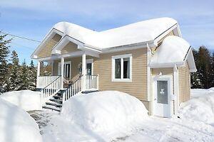 Maison - à vendre - Sainte-Marguerite-du-Lac-Masson - 24219673