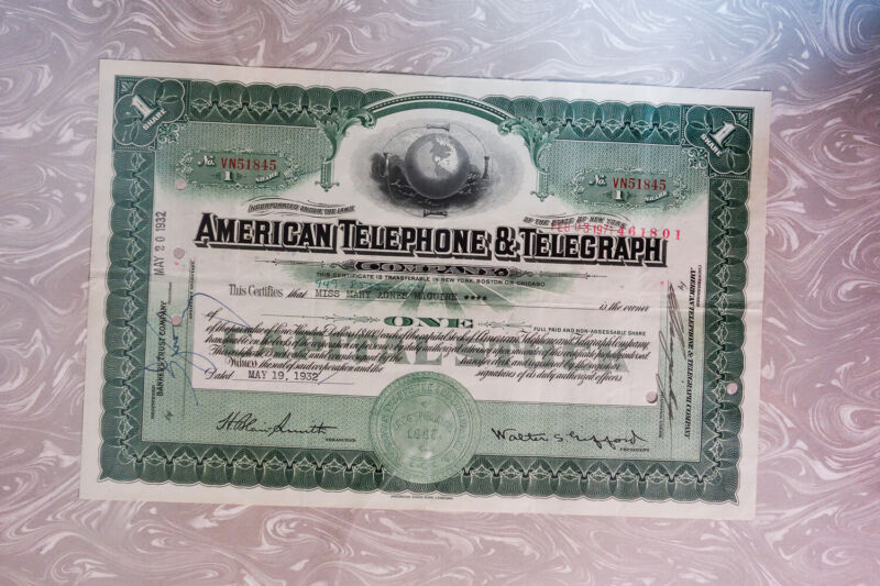 Collection of 27 Pristine Early to Mid-20th Century Stock & Bond Certificates