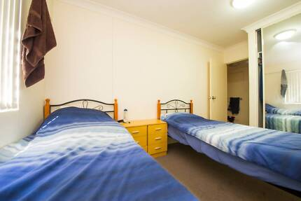 FLATSHARE FOR 2 FRIENDS OR COUPLE IN PYRMONT