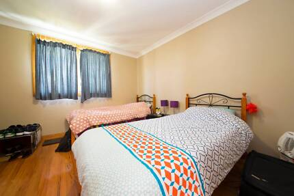 ONE FRIENDLY MALE NEEDED IN A NICE HOUSE SHARE IN PYRMONT