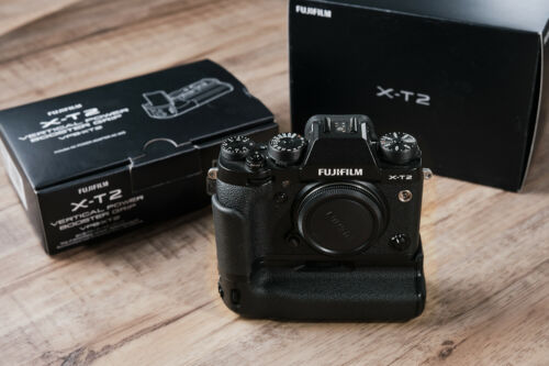Fujifilm X-T2 with TWO grips: VPB-XT2 & MHG-XT2