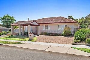 Beautifully well maintained 3x2 - available partly furnished! Stirling Stirling Area Preview