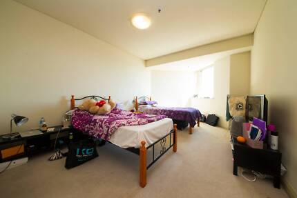 MODERN MASTER TWIN SHARED ROOM FOR 1 FRIENDLY FEMALE ROOMIE