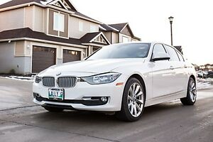 2014 BMW 320i XDRIVE(AWD)-Clean Title/ Immaculate/1 TAX