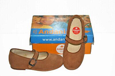 Zapato de vestir de niña color camel. Marca Andanines. Talla 31
