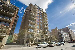 Stunning space w/ 1450sqft in the heart of Centretown!