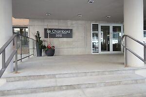 Downtown Golden Mile luxury building - Peel & McGill metro