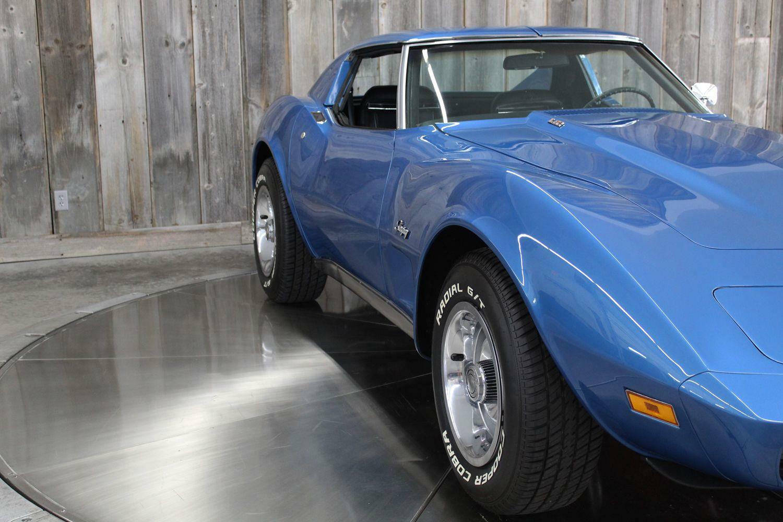 1975 Blue Chevrolet Corvette  L82   C3 Corvette Photo 9