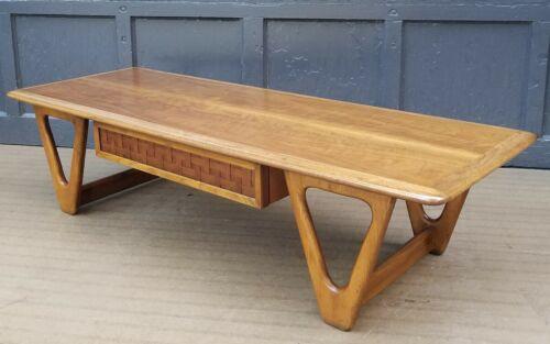 Lane Mid Century Modern * Perception * Boomerang Leg Coffee Table