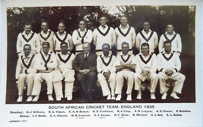 SOUTH AFRICA TO ENGLAND 1935 – VINTAGE CRICKET POSTCARD