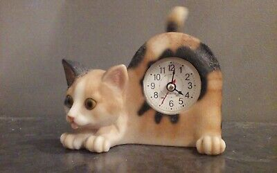 Vintage Cat Mantle Clock with moving tail, works, cute calico kitty Quartz M1568