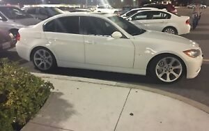 BMW 335i - Sports Pkg w/ navigation