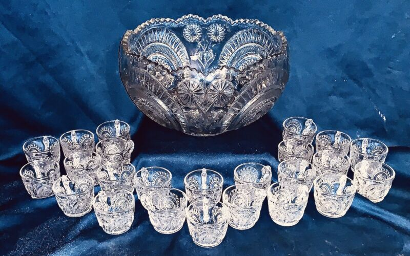 L E Smith Glass Clear Pinwheel & Star Slewed Horseshoe Punch Bowl Set & 24 Cups