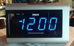 RCA/Digital 2 Band AM FM Dual Wake Alarm Clock Radio/# RP-5435C/Blue LED/L@@K