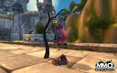 Ogre Pinata Loot Card World of Warcraft Candy Bubble Gum WoW TCG Code Toy Box](World Of Pinatas)
