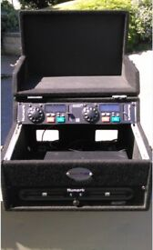 Twin CD Deck flight case – with Twin CD player included.– DJ / Kareoke - absolute BARGAIN