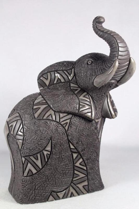De Rosa - Nero Collection - Elephant Figurine