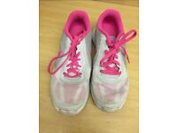Nike ladies size 5 trainers