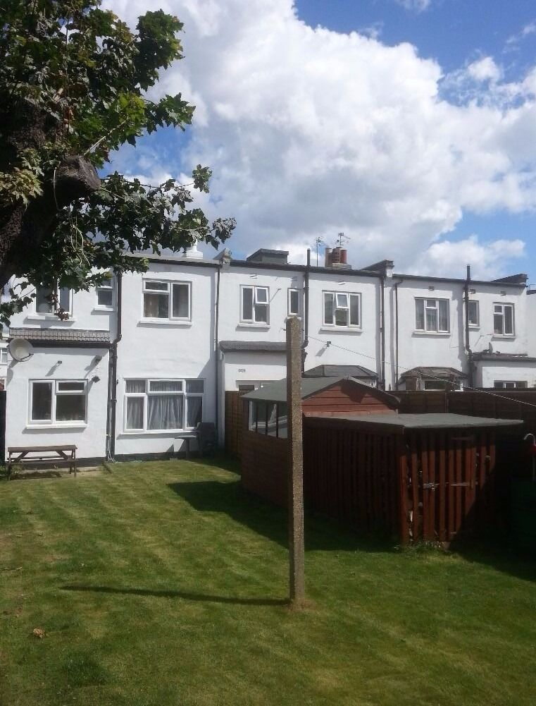 Large Double Room in Mitcham/Colliers Wood, Large Garden 3 ...