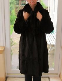 Vintage dark brown fur coat, size 16/18 , very good condition